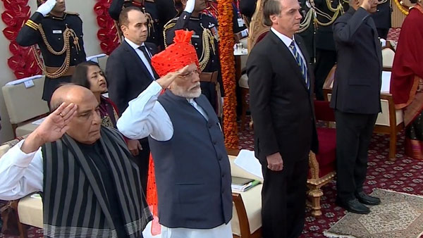 71st Republic Day 2020: PM Modi continues safa tradition, sports saffron bandhej turban