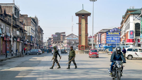 As Centre invites foreign envoys to visit Srinagar, EU stresses on meeting detained J&K leaders