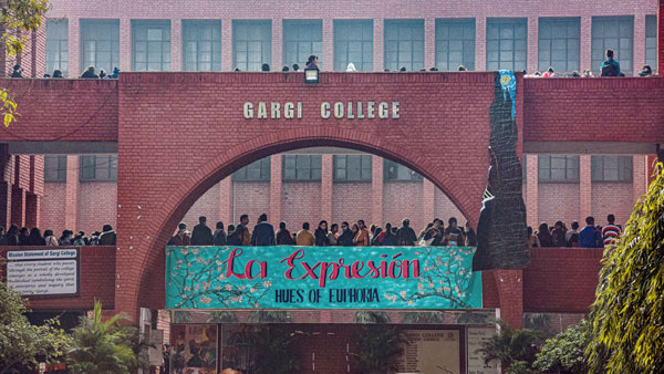 SC refuses to entertain plea on Gargi College incident, asks petitioner to approach high court