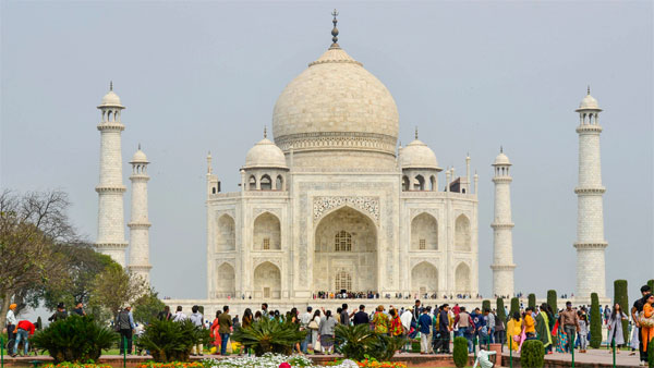 Whiter Taj Mahal: Tombs get mud pack therapy, chandelier refurbished for Donald trump