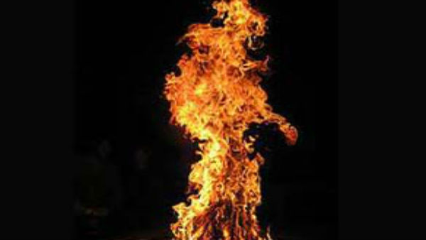 Soured love? Woman set ablaze in Nashik district, suffers 50