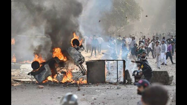 5 dead in anti citizenship law violence at Delhi: Shooter identified