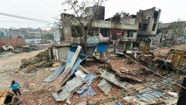 We jumped from first floor with dupattas: Victims recount tales of horror