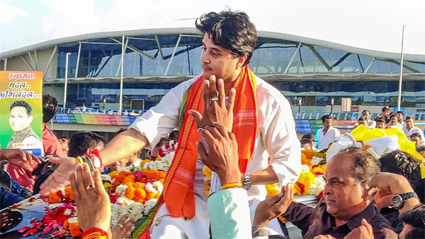 BJP's Jyotiraditya Scindia slams Congress leader Kamal Nath, says Congress never respected women