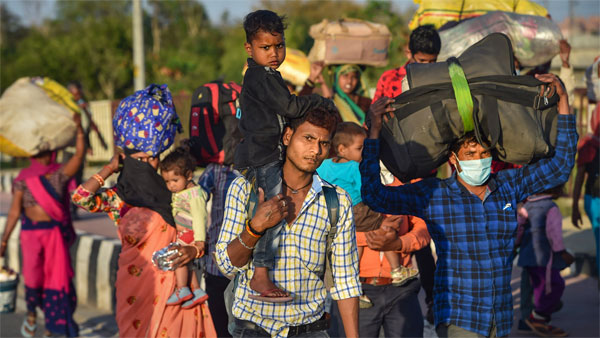 Centre initiates action against officers overseeing movement of migrants in Delhi
