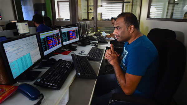Nifty gives up 10k points as Sensex nosedives