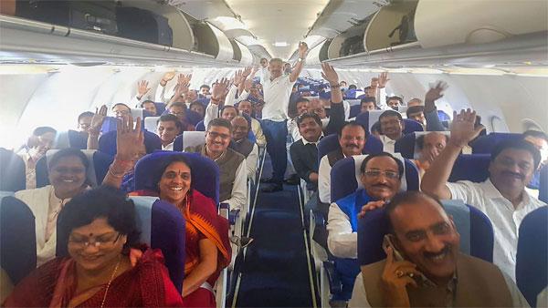 'With Maharaj': Videos of rebel Madhya Pradesh MLAs embarrass Congress