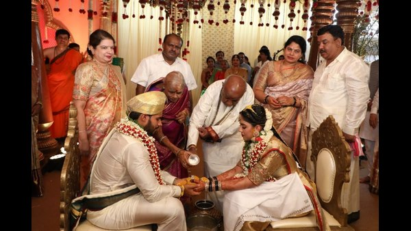 Nikhil Kumaraswamy ties the nuptial knot with Revathi