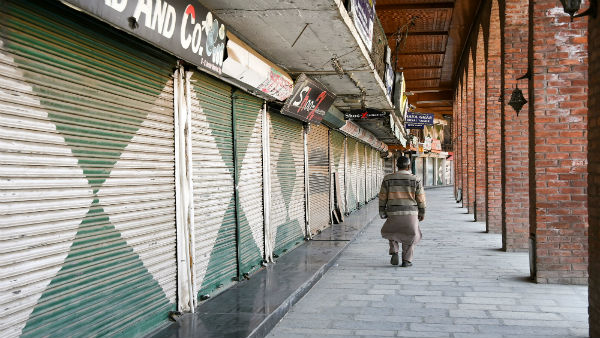In late night order, Home Ministry allows neighbourhood shops tore-open, malls remain shut