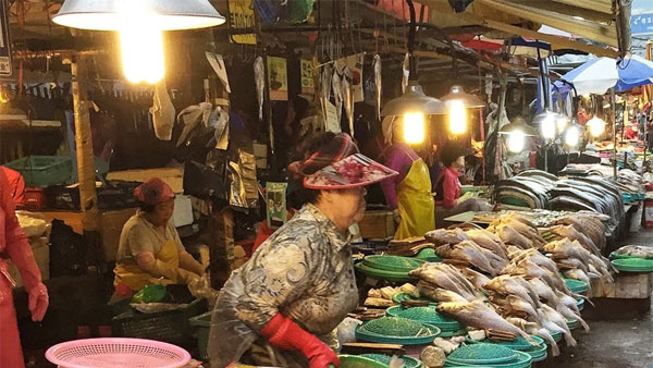 Chinas deadly Wet markets are back, start selling bats, cats and pangolins amid Covid pandemic