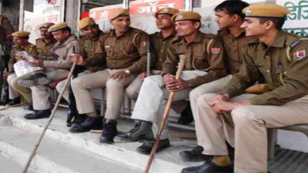 Police use force as 100 gather at Dargah in Rajasthan