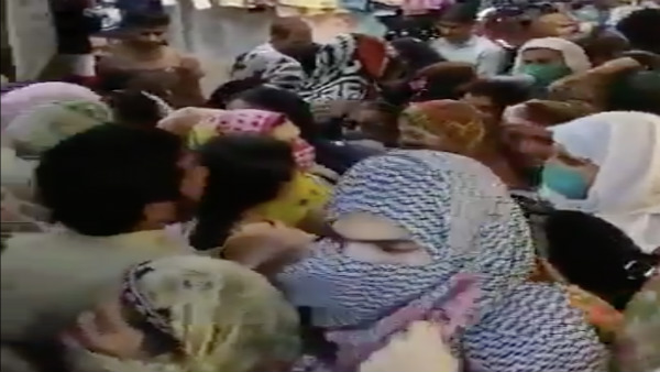 Fake: This video of a crowded market is from Pakistan not India
