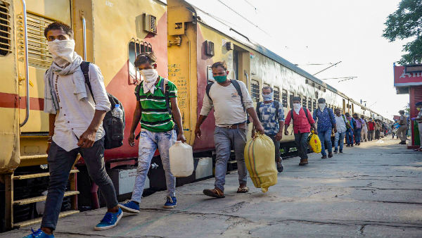 In Haryana, scores of migrants register to return