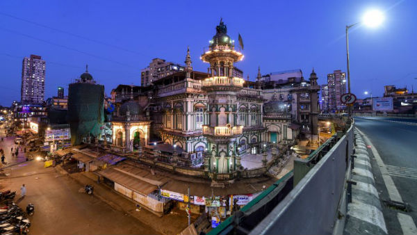 Closed mosques, no hugs: Subdued Eid celebrations in India as Coronavirus grips nation