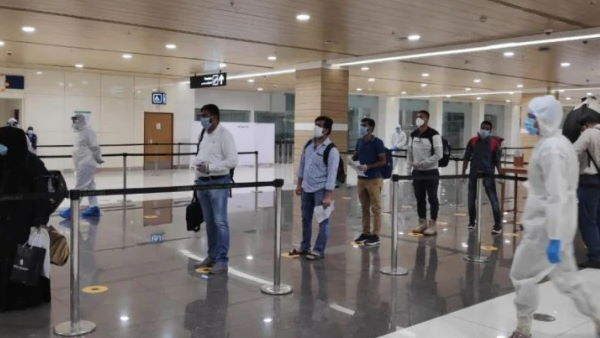 Domestic flights resume after two months; many say flights cancelled without notice