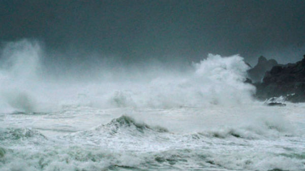Cyclone Nisarga makes landfall near Alibag, will pass through Mumbai-Thane in next 3 hours