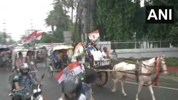 Congress leaders staged a protest against fuel price hike in India