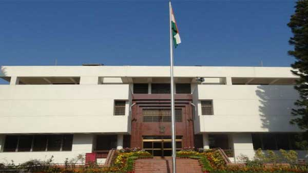 Two Indian officials in High Commission at Pakistan missing