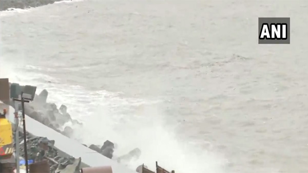 Watch: High tide hits Marine Drive in Mumbai
