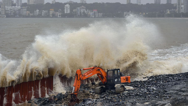 Heavy rains likely to continue in Mumbai, Gujarat today: IMD issues warning