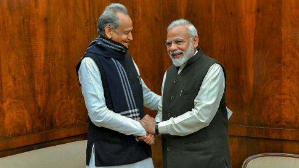 Ashok Gehlot speaks to PM on political situation in Rajasthan, CLP submits memorandum to Prez