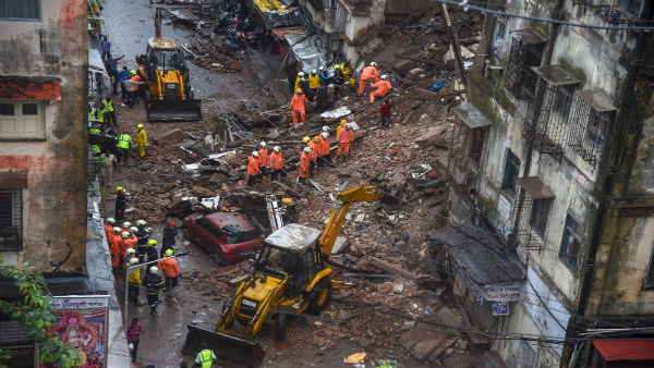 <strong>Death toll in south Mumbai building collapse rises to 9</strong>