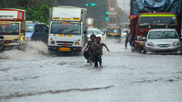 Heavy rains lash Mumbai, more in store on Sat, says IMD