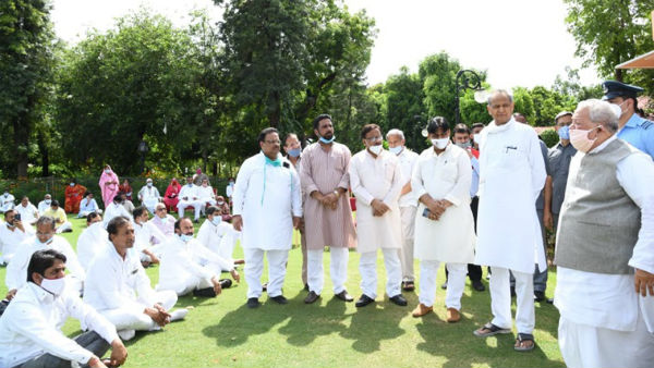 Rajasthan Speaker agreees to call session, Cong MLAs end dharna at Raj Bhawan