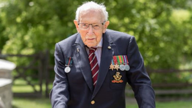100 year old British captain raises Rs 301 crore for COVID-19 health workers, gets Knighted