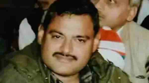 Kanpur Ambush: 2 Cops arrested for tipping off gangster Vikas Dubey