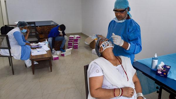 Despite fall in national average, 5 states see big surge in coronavirus cases: Data