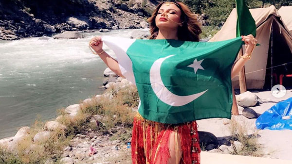 Why is Rakhi Sawant embracing a Pakistan flag