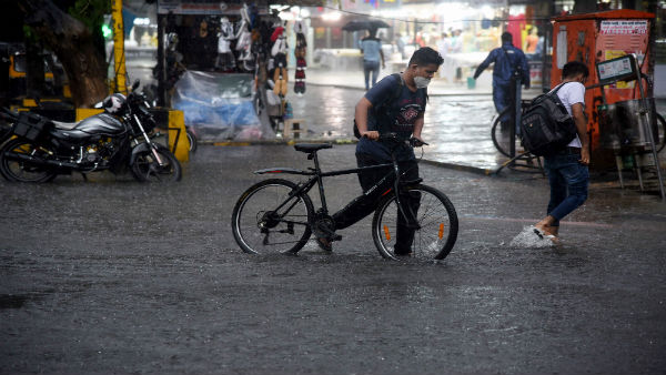 Mumbai rains: IMD warns of 'flooding'; Heavy rains lead to waterlogging in several parts of city