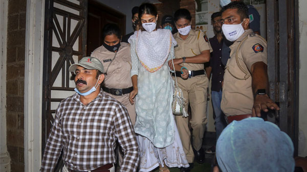 Drugs probe by NCB: Rhea, her brother Showik Chakraborty file bail plea in Bombay HC