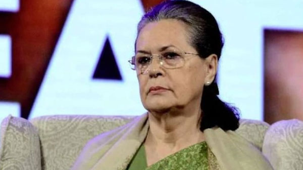 Sonia Gandhi urges Congress-ruled states to pass laws to negate central farm acts