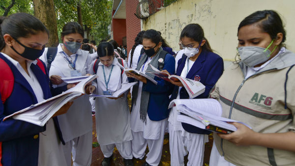 Kerala tops literacy rate chart; Andhra Pradesh worst performer