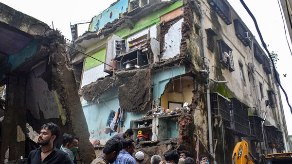 10 dead in building collapse at Bhiwandi, Maharashtra