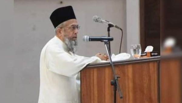 Influential Pak cleric shot dead
