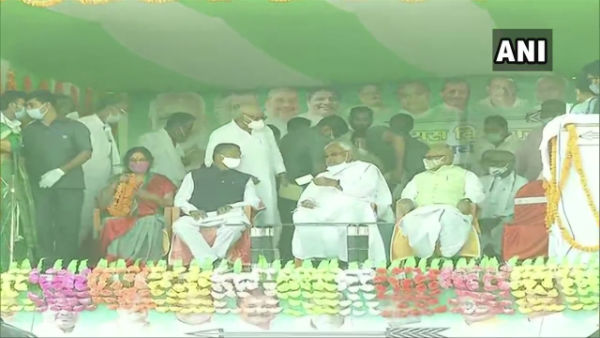 Bihar Election 2020: Nitish Kumar addresses a public rally at Phulparas in Madhubani
