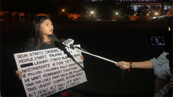9-year-old climate activist protests outside Parliament over Delhi pollution