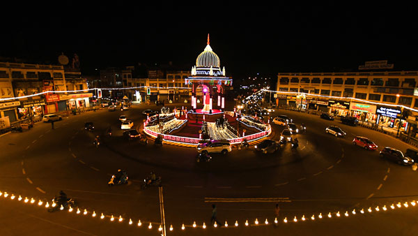 Amid COVID-19 shadow, Dasara festivities begin in Mysuru