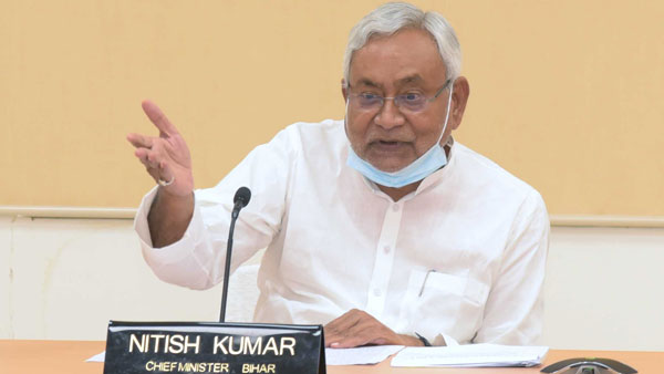 What did Lalu Yadav do except make wife chief minister: Nitish Kumar