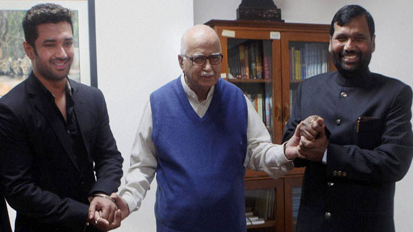 Paswan championed cause of poor: Advani