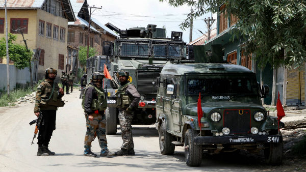 Security forces arrest terrorist associate in J&K