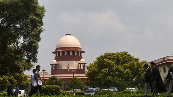 Plea in SC for early hearing of batch of petitions challenging Centres decision on Article 370