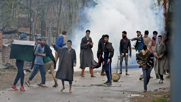 Kashmir separatists sent scores of youth on valid documents to Pak for terror training: NIA