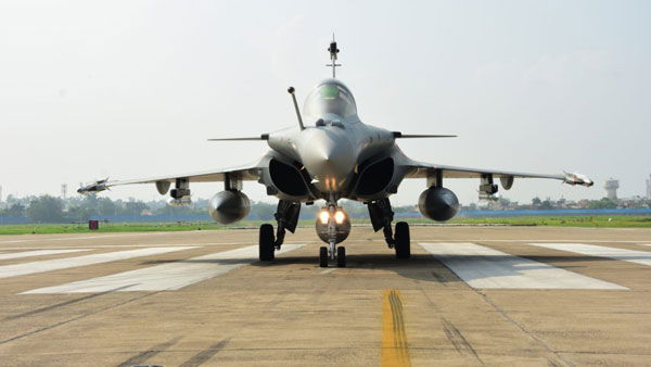 IAF chief to flag off 6 Rafales from France today