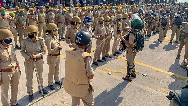 Police deployed at Delhi-Noida border