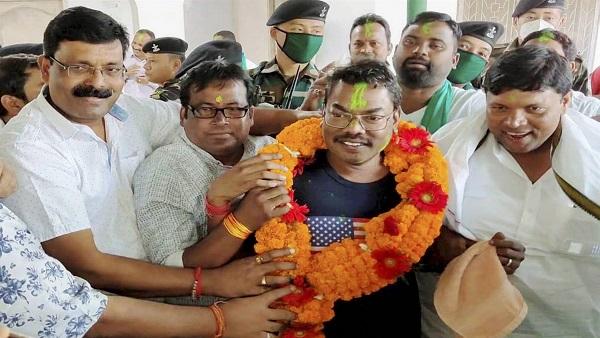 Jharkhand bypoll: BJP leading in both Dumka, Bermo