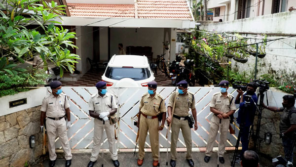 A day after ED raids, drama unfolds in front of Bineesh Kodiyeri's home